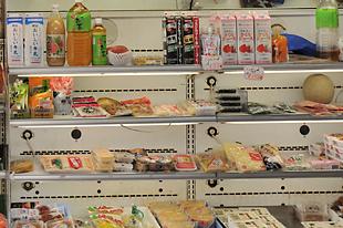 野菜・果物以外にも飲料・加工食品も取り扱っております。